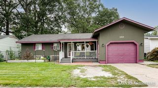2969 Woodcliffe Dr, Muskegon Heights, MI 49444