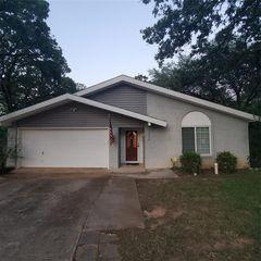 3236 Red Oak Ln, Bedford, TX 76021