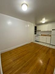 422 W 56th St #7, New York, NY 10019
