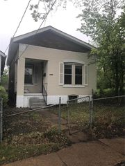 6432 Ridge Ave, Saint Louis, MO 63133