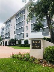 1200 Gulf Shore Blvd N #404, Naples, FL 34102