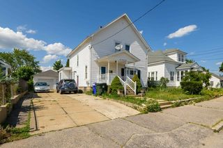 671 Amory St, Manchester, NH 03102