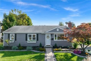 22 Sunset Ave, Milford, CT 06460
