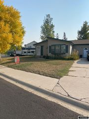 235 River Bend Dr, Mountain View, WY 82939