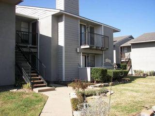 1901 Holleman Dr W #206, College Station, TX 77840