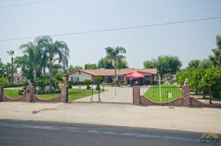 8251 Mountain View Rd, Bakersfield, CA 93307