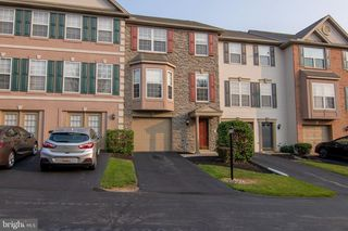 106 Chandler Dr, Red Lion, PA 17356