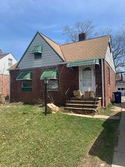 3927 E 176th St, Cleveland, OH 44128