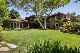 744 Rockwood Rd, Pasadena, CA 91105