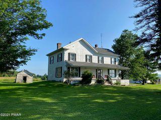 97 Calkins Rd, Honesdale, PA 18431