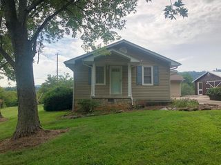 3630 Cunningham Rd, Knoxville, TN 37918