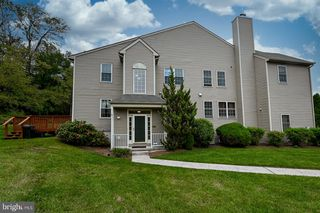 807 Dilworth Ln, Collegeville, PA 19426