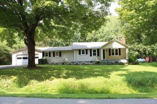 1440 Knobs Rd, Smiths Grove, KY 42171