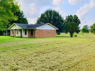 152 County Road 1815, Crockett, TX 75835