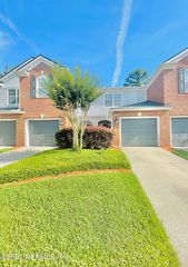 13345 Stone Pond Dr, Jacksonville, FL 32224