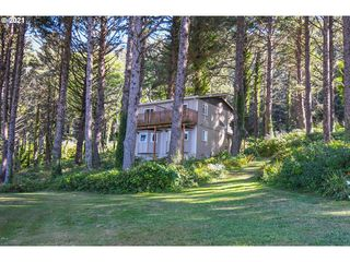 94282 Highway 101 S, Yachats, OR 97498