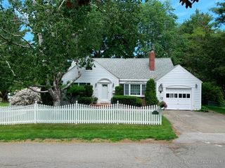 10 South Rd, Brewer, ME 04412