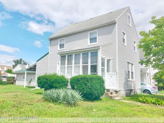 28 Cayuga Pl, Forty Fort, PA 18704