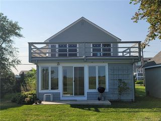 86 Seaside Ave, Guilford, CT 06437