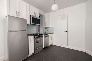 106 8th Ave #2r, New York, NY 10011