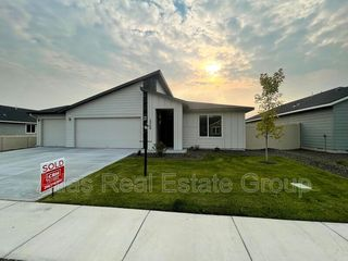 13164 S Coquille River Ave, Nampa, ID 83686