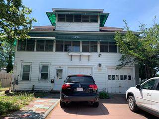 85 Seneca St, Lowell, MA 01852