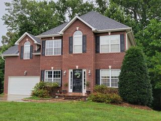 6112 Cate Rd, Powell, TN 37849