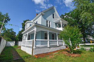 36 Oak Grove Ave, Springfield, MA 01109