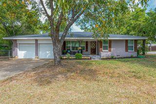 7445 Maple Dr, North Richland Hills, TX 76180