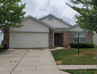 12181 Driftstone Dr, Fishers, IN 46037