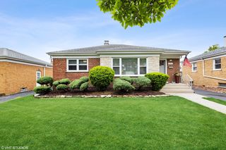 11141 Shakespeare St, Westchester, IL 60154