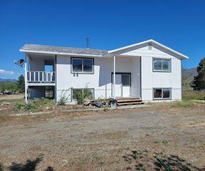 121 Moccasin Flat Hud Rd, Omak, WA 98841