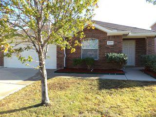 2848 Fieldstone Dr, Grand Prairie, TX 75052