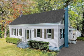 338 Dover Point Rd, Dover, NH 03820