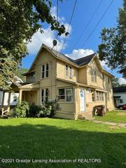 532 N Chestnut St, Lansing, MI 48933