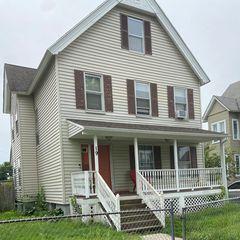 19 Hawthorne St, Springfield, MA 01105