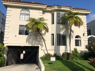 422 S Palm Dr #3, Beverly Hills, CA 90212