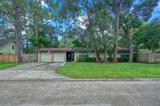3711 Manor Ln, Dickinson, TX 77539