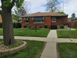 2029 S 22nd Ave, Broadview, IL 60155