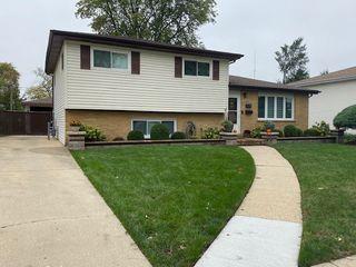 134 S Vista Ave, Addison, IL 60101