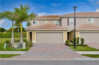 3772 Crofton Ct, Fort Myers, FL 33916