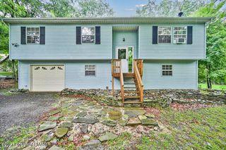 2208 Cramer Rd, Bushkill, PA 18324