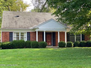 721 Waterford Rd, Windy Hills, KY 40207