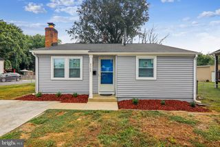 4900 Emo St, Capitol Heights, MD 20743
