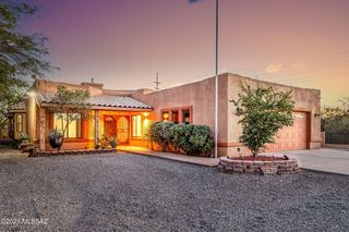 5765 N Escondido Ln, Tucson, AZ 85704