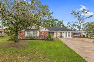 6711 Meadow Ridge Ln, Lake Charles, LA 70605