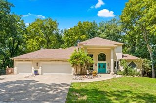 100 NE Strother Rd, Lees Summit, MO 64064