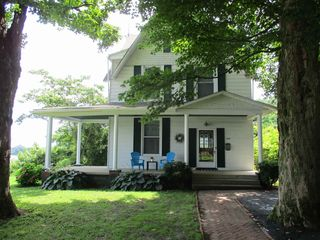 215 N 3rd St, Rockport, IN 47635