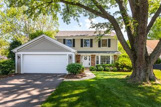 520 Bayberry Ln, Naperville, IL 60563