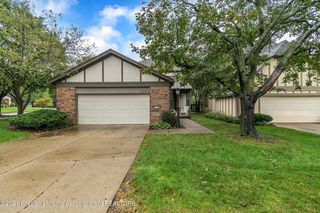1402 Coventry Close St, East Lansing, MI 48823